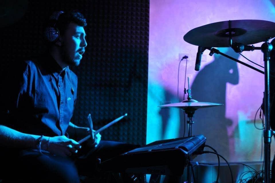 Alberto Paone batterista di Calcutta